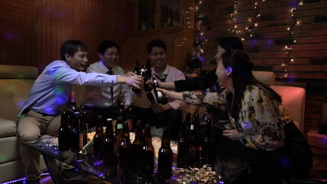 KTV喝酒